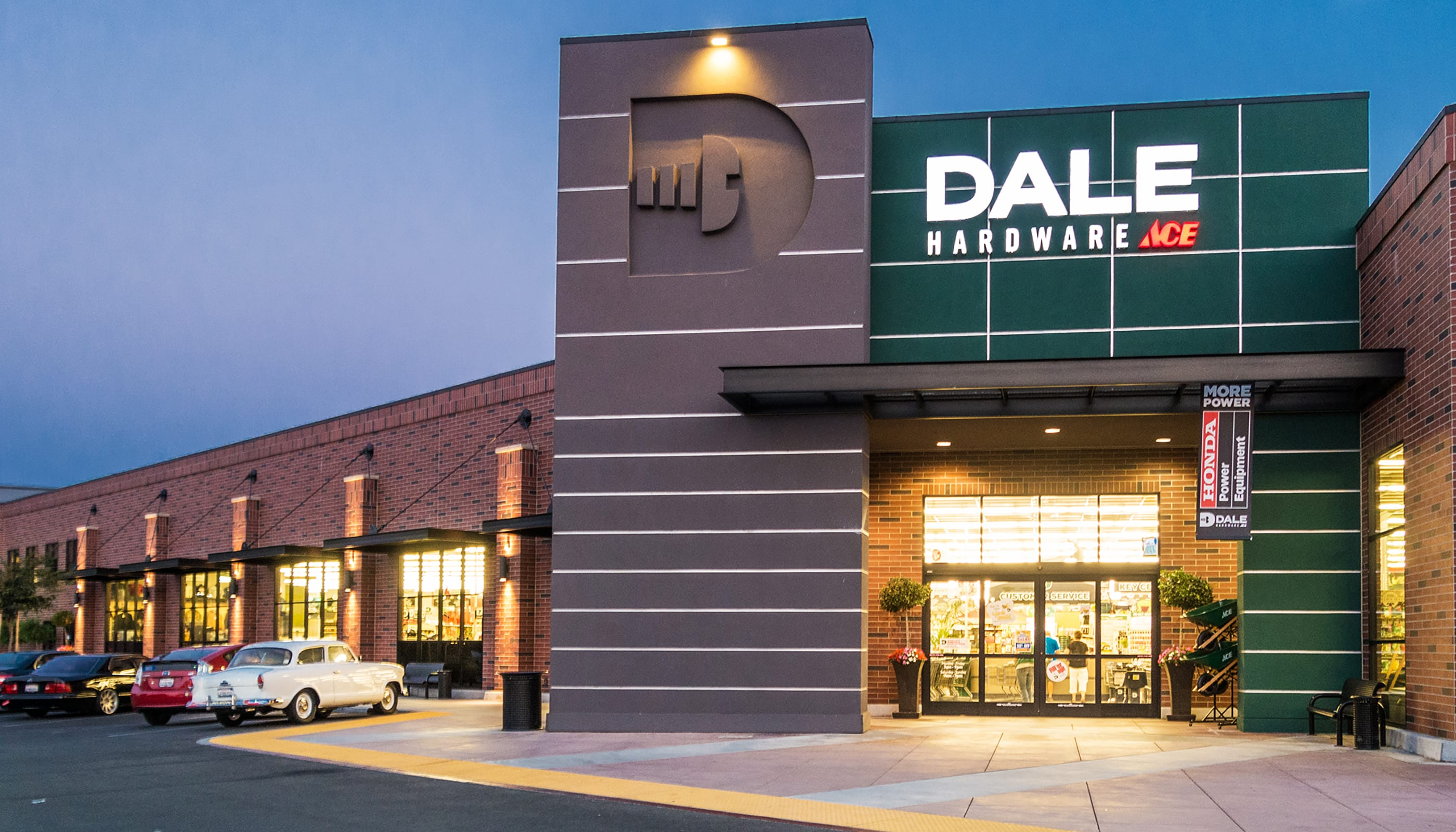 Dale Hardware - Commercial Architecture